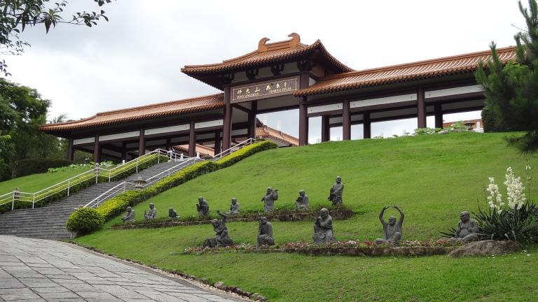 Templo_Zu_Lai_SP,_Brasil_(8253592244).jpg