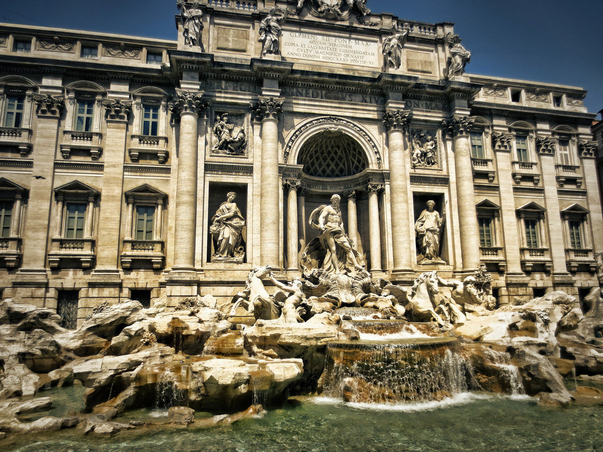 trevi-fountain-298411_1920.jpg
